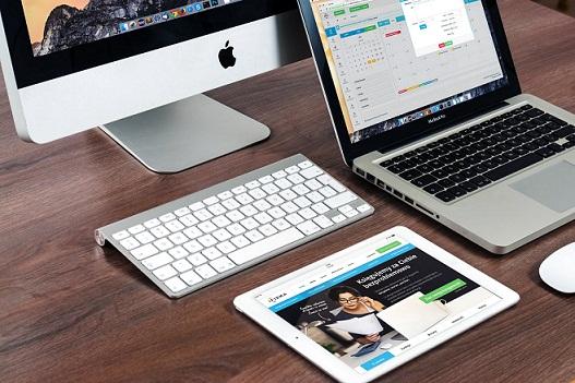 google vs apple in education